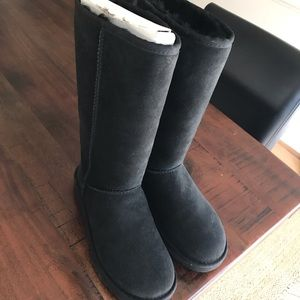 UGG Classic Tall Boots Size 6